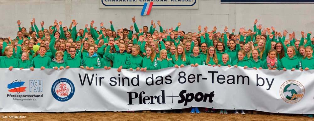 Erstmals gab es in Schleswig-Holstein und Hamburg für alle Reiter mit der Note 8,0 und besser ein Treffen in Elmshorn.
