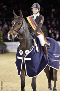 Celine Schradick (18) Das jüngste Perspektivgruppenmitglied gewann das HGW-Nachwuchschampionat, hat gerade das Abitur gemacht und lebt mit der Familie in Ostbevern bei Warendorf.