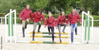 Ein klasse Team: (v.l.) Gerit Nieberg, Philipp Brodhecker, Celine Schradick und Kendra Claricia Brinkop mit ihrem Trainer Eberhard Seemann