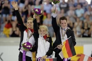 Das Pas de Deux-Team mit Pia Engelberty, Torben Jacobs und Longenführer Patric Looser gewann die Silbermedaille hinter Österreich. Foto: Stefan Lafrentz