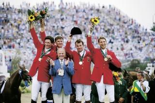 Olympische Spiele 1996 in Atlanta und die Mannschaft um Herbert Meyer: v.li. Ludger Beerbaum, Ulrich Kirchhoff, Lars Nieberg und Franke Sloothaak Foto: W. Ernst