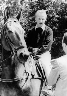 Der junge Herbert Meyer mit seinem erfolgreichen Pferd Deichgraf. Foto: FN-Archiv