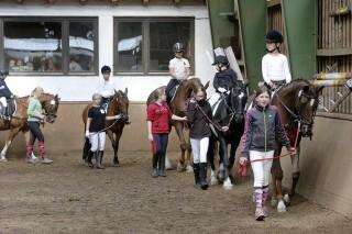 Beim geführten Reiterwettbewerb sind auch die Stoppelhoper am Start.