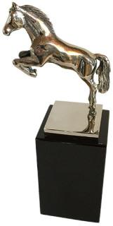 pm_10-16_10_pm_award_statue